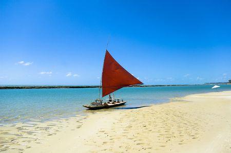 Jangada - Fischerboot in Porto de Galinhas, Pernambuco - Brasilien Lizenzfreie Bilder