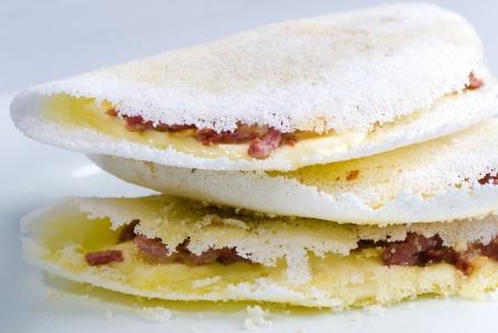 Tapioca, einen köstlichen brasilianischen Snack mit Manioka-Mehl gemacht.