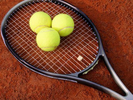 balls on racket photo