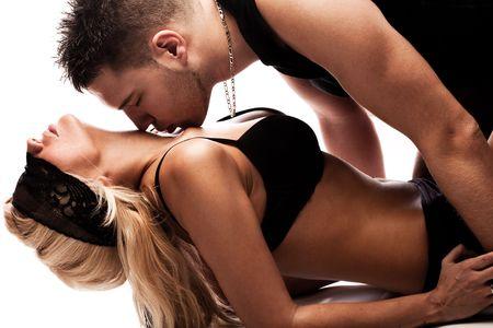 erotico: pareja de j�venes en el amor, estudio tiro en blanco Foto de archivo