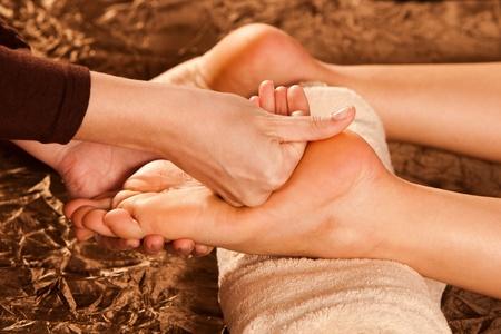 technique: foot massage technique