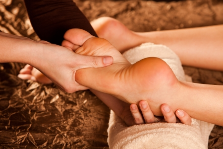 foot spa: foot massage technique