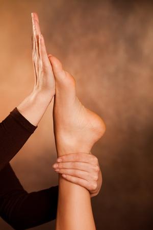 reflexologie: technique de massage des pieds