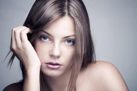 natürlichen schöne junge blauäugige Frau close-up erschossen