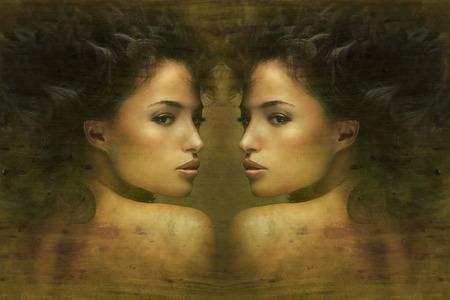 野生の美しい黒い髪の女性の芸術的な肖像画 写真素材
