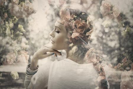 žena: fantasy krásná mladá žena jako víla, dvojitá expozice s růží, malé množství obilí přidáno