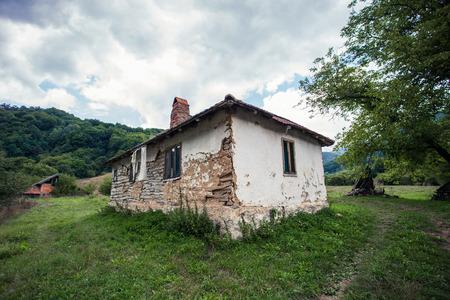 abandoned old house in rural mountain region Lizenzfreie Bilder