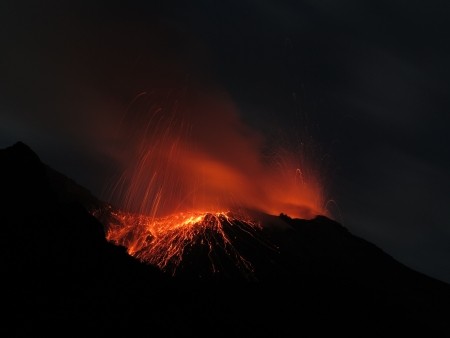 eolian islands: volcano Stromboli eruption
