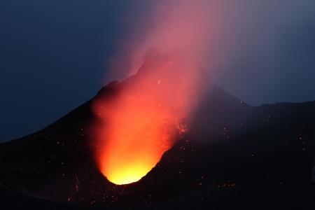 Stromboli lava lake