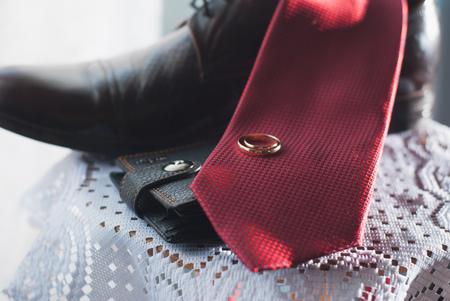 reggicalze: Mattina sposo. accessori da sposa. Tie borsa scarpe anello
