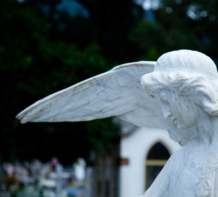 angel headstone: weeping angel cemetery