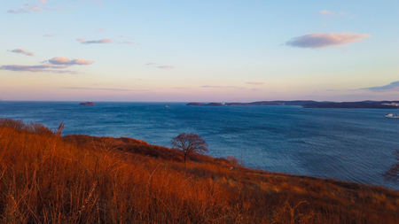 marine landscape with views of the Bosphorus Oriental. Vladivostok, Primorsky Krai. 写真素材 - 122696222