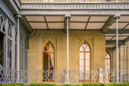 Yalta, Crimea-June 22, 2015: historical landmark - Vorontsov Palace. Archivio Fotografico - 137712326