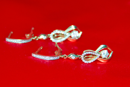 silver jewelry: jewelry from gold, silver, precious decoration