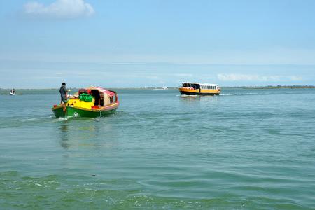 Calm water of the Venetian Lagoon. Imagens