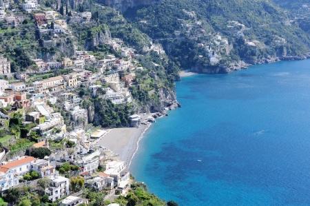 paisaje mediterraneo: El peque�o pueblo de Positano. Costa de Amalfi, Italia.