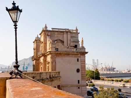 felice: Porta Felice - baroque triumphal gateway in La Cala (old port), Palermo, Sicily
