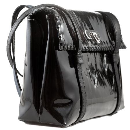 pochette: black patent leather lady