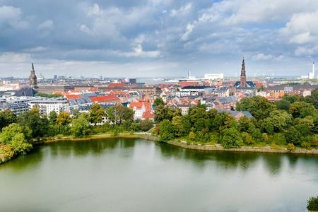 boven uitzicht op centrum van Kopenhagen, Denemarken Redactioneel