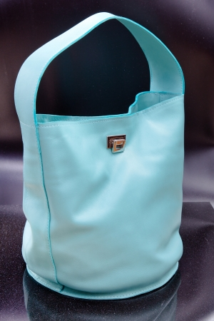 pochette: big blue leather woman bag