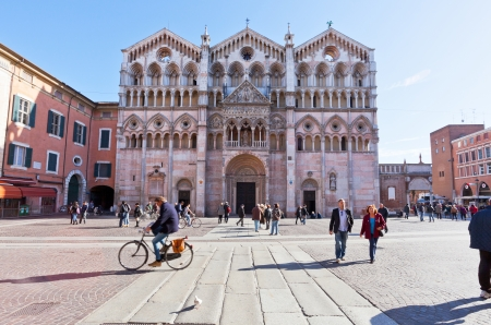 cattedrale: FERRARA, ITALY - NOVEMBER 6: piazza Cattedrale and Cathedral. Construction of present building began in the 12th century and the cathedral was consecrated in 1135 in Ferrara, Italy on November 6, 2012 Editorial