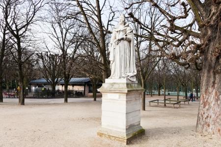 jardin de luxembourg: statue french queen Marie de Medicis in luxembourg gardens, Paris