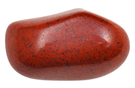 cabochon: diaspro marrone ghiaia isolato su sfondo bianco