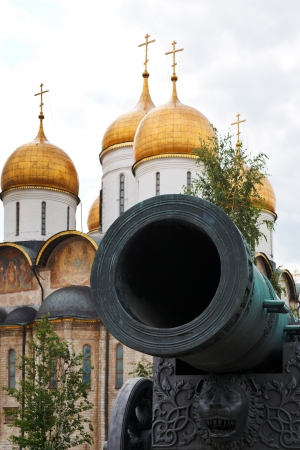 bombard: Tsar Cannon and Dormition Cathedral in Moscow Kremlin