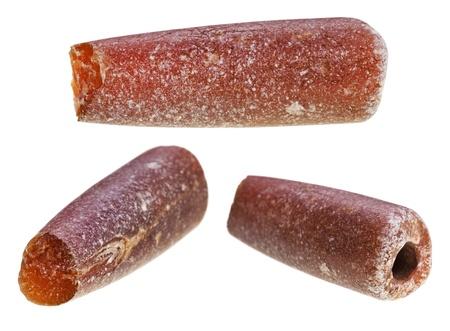 cabochon: set di rostri fossile di belemnoids - colpo di fulmine isolato su sfondo bianco