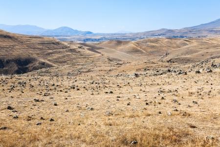 prehistoria: panorama de la meseta de piedra de Zorats Karer (Carahunge) - prehistoria monumento megal�tico en Armenia Foto de archivo