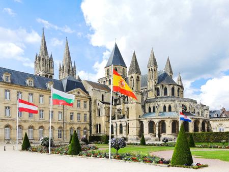 hommes: Abad�a medieval de Saint-Etienne (Abbaye aux Hommes) en la ciudad de Caen, Francia Foto de archivo