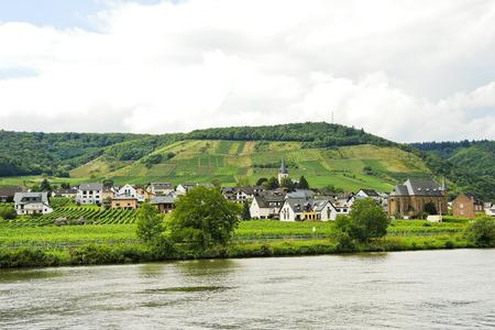 mosel: Ellenz Poltersdorf village on Moselle riverside, Germany Stock Photo