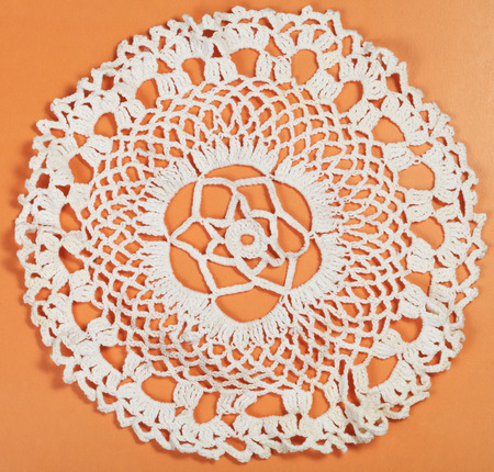skillfully: vintage knitting craftsmanship - embroidered crochet lace flower ornament of placemat