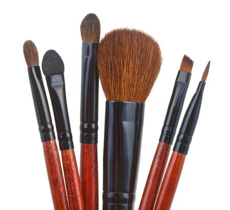 maquillage: set of makeup brushes isolated on white background