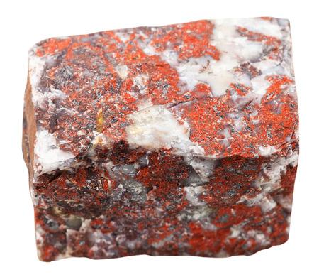 fotografía macro de la recogida de roca natural - piedra de jaspe mineral rojo aislado en el fondo blanco Foto de archivo