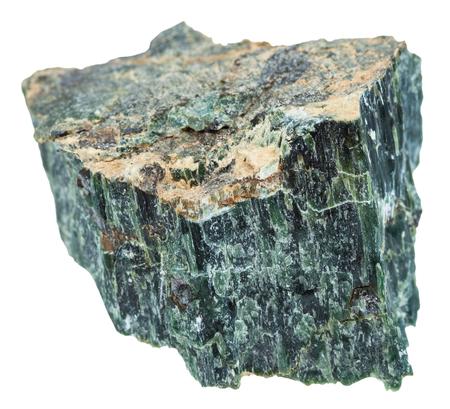 fotografía macro de la piedra mineral natural - roca de crisotilo (asbesto verde, el amianto serpentina, amianto blanco) aislado en el fondo blanco Foto de archivo