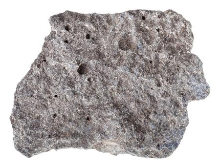 macro shot de spécimen de roche naturelle - morceau de basalte de basalte isolé sur fond blanc de la russie