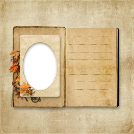 cartoline vittoriane: Album Vintage con cornice per foto e spazio per le note album Vintage con cornice per foto e spazio per le note Archivio Fotografico