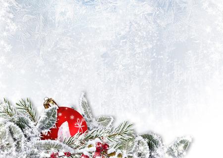 눈이 얼음 배경에 크리스마스 장식 스톡 콘텐츠 - 33056729