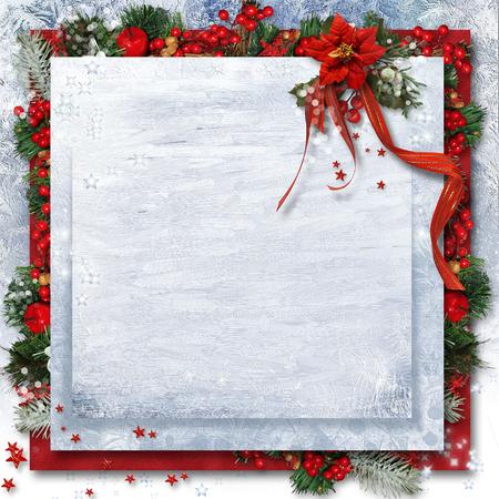 クリスマスのポインセチア、ヒイラギの枝と背景。 写真素材