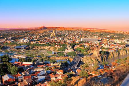 tbilisi: Bella vista panoramica di Tbilisi al tramonto Archivio Fotografico