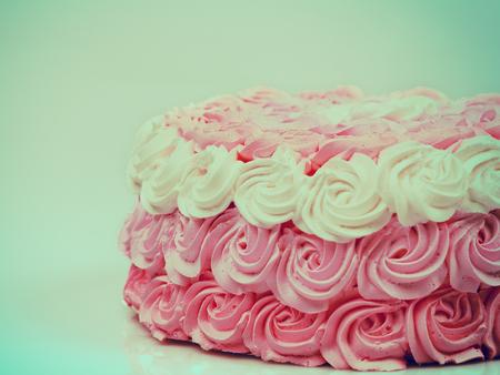 ombre: Vintage wedding creamy Ombre cake
