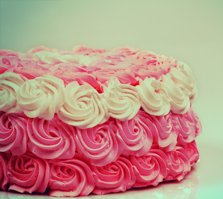 ombre cake: Vintage wedding creamy Ombre cake