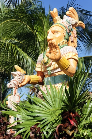 indian artifacts: Mexican statue of the noble man and palm tree