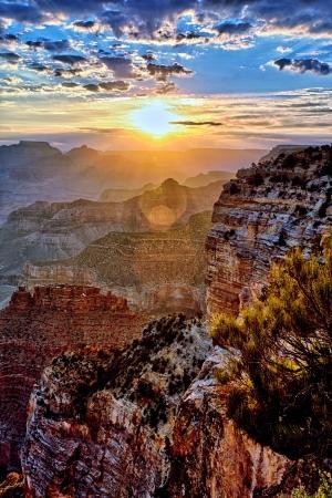 9 月の日の出のグランドキャニオン 写真素材 - 16099926