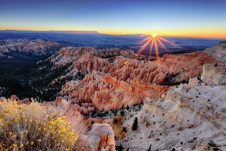 bryce: sunrise at Bryce Canyon National Park, Utah, USA  Stock Photo
