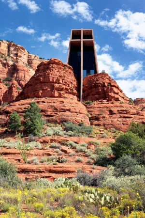 southwest: the Chapel of the Holy Cross set among red rocks in Sedona, Arizona  Stock Photo