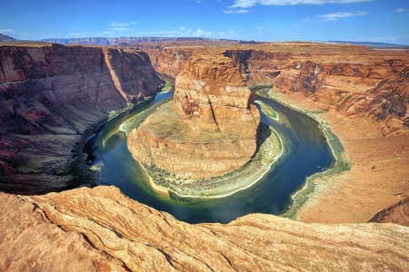 glen: horizontal view of the famous Horse Shoe Bend at Utah, USA  Stock Photo