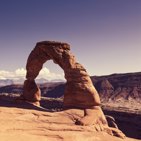 rock arch: View of the famous Delicate Arch at sunset, USA
