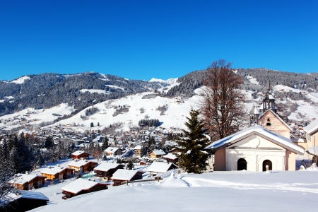ムジェーヴ山村、フランス アルプスの上からの眺め